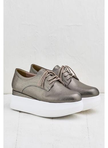 Elle Dolgu Tabanlı Ayakkabı Gri